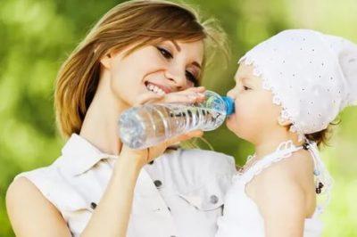 Можно ли ребенку пить минеральную воду