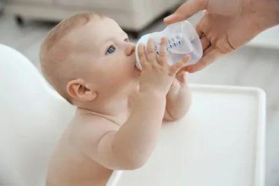 Можно ли давать новорожденному воду