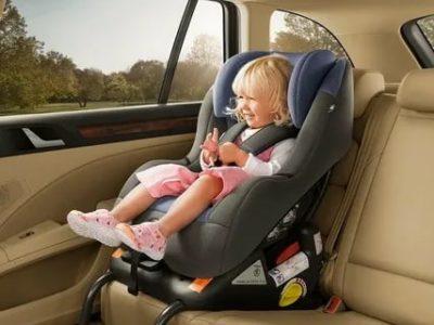 Можно ли возить ребенка 8 лет на переднем сидении