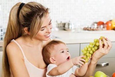 Когда можно давать ребенку виноград