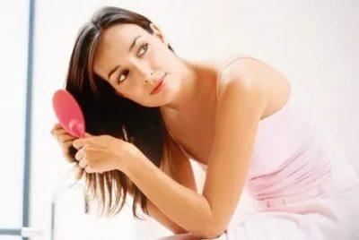 Почему не выпадают волосы во время беременности
