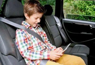 В каком возрасте ребенок может ездить без кресла